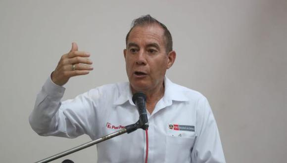 """""""Aquellos que tratan de lucrar con la vida de otras personas creo que no podemos llamarlos peruanos"""", señaló Martos. (Foto: GEC)"""