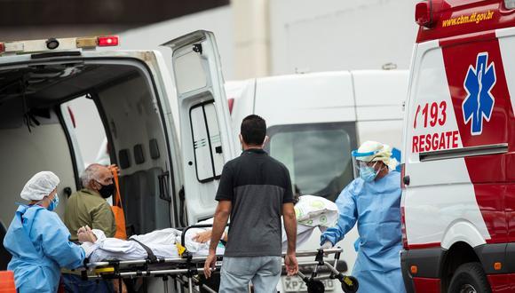 Brasil  ya suma 558.432 víctimas fatales y 19.985.817 casos positivos por el virus. (Foto: EFE /Joédson Alves)