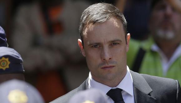 Oscar Pistorius cumple condena de 5  años en cárcel de Pretoria. (AP)