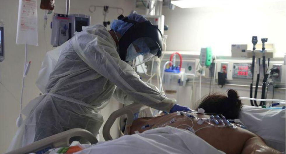 Defensoría pide que se incremente el número de camas UCI en hospitales de Cusco. (Foto referencial   REUTERS/Lucy Nicholson).