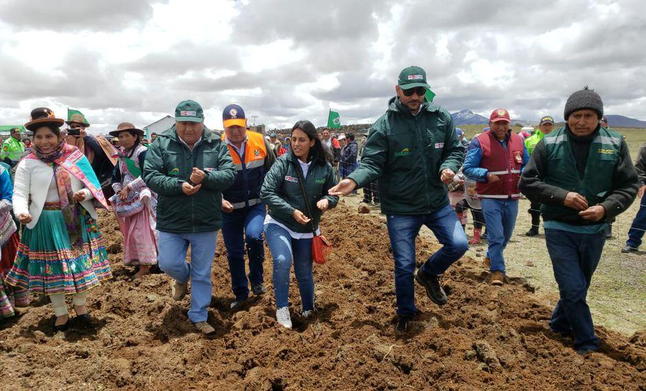 Cobertizos fueron entregados en el distrito de de San Antonio de Chauca. (Minagri)