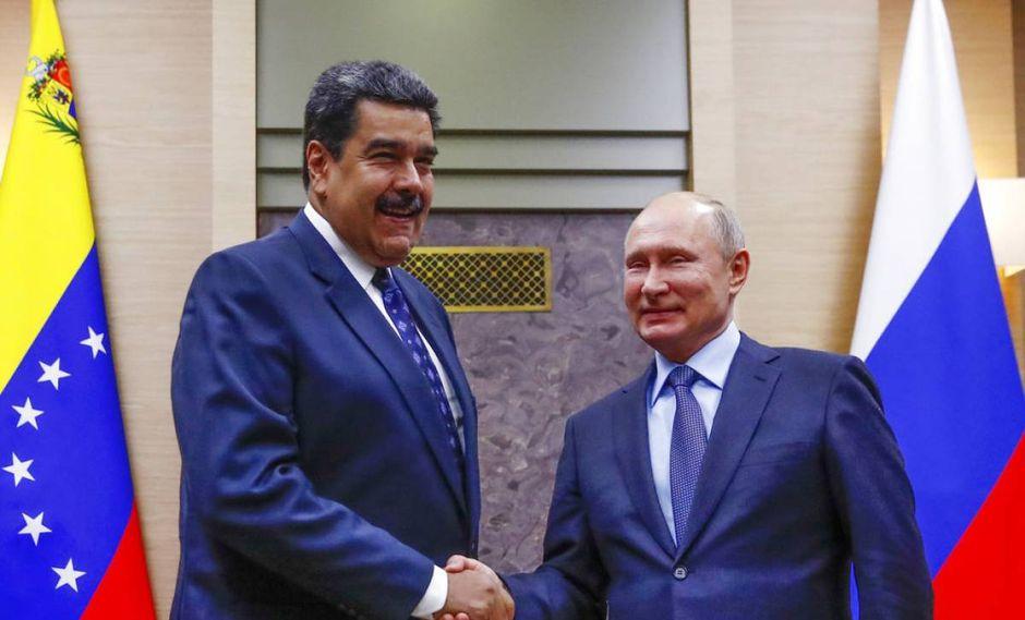 Nicolás Maduro junto al presidente de Rusia, Vladimir Putin. (Foto: AP)