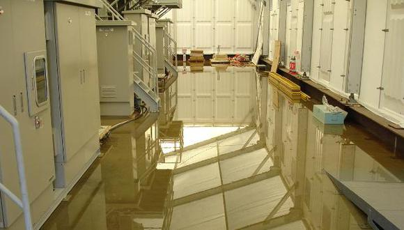 Al menos 300 litros del agua radiactiva habrían escapado al mar, según TEPCO. (AP)