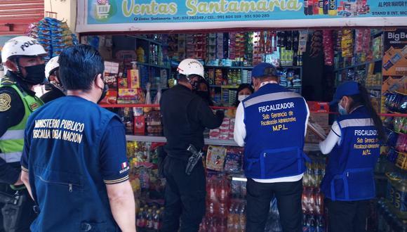 Lambayeque: Descubren miles de cigarrillos de contrabando vencidos y adulterados en mercado modelo.