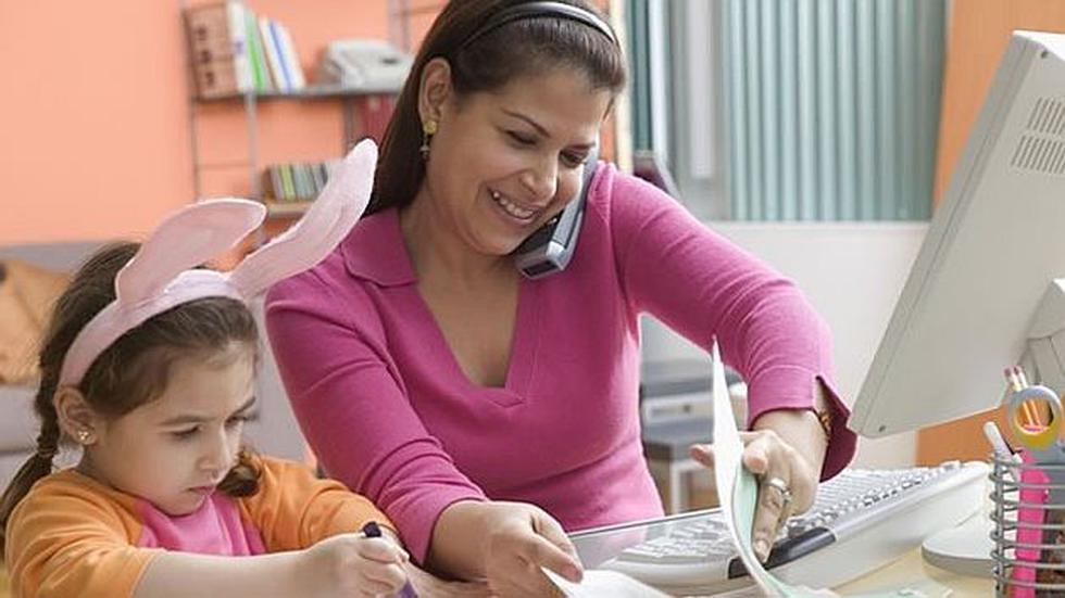 ¿Eres mamá y no sabes cómo equilibrar tu trabajo con la maternidad? (Difusión)