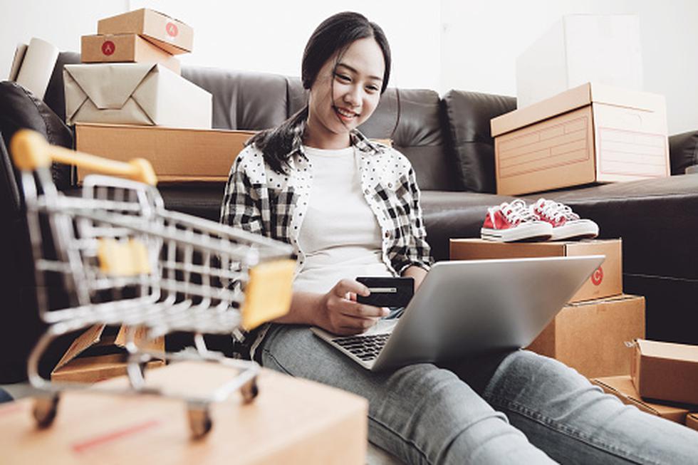 Un estudio reciente del proveedor multinacional de tarjetas de crédito Barclaycard, demuestra que los consumidores devuelven casi la mitad de lo que compran.