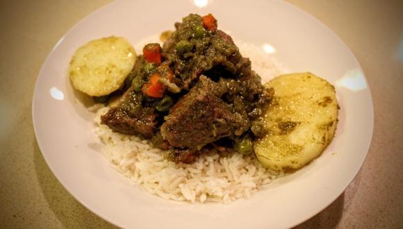 Acompañarlo con arroz blanco graneadito. (Foto: Sabores.pe)