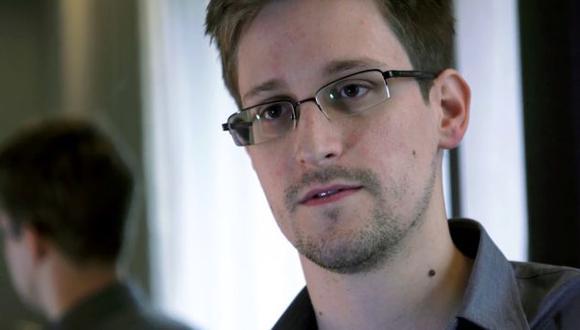 Edward Snowden no usa iPhone por motivo de seguridad. (AP)