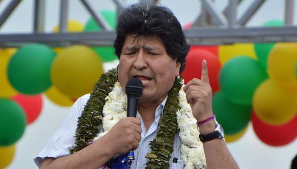El expresidente boliviano Evo Morales hace un gesto mientras pronuncia un discurso durante un mitin en Chimore, provincia de Chapare, departamento de Cochabamba, Bolivia. (AFP/FERNANDO CARTAGENA).