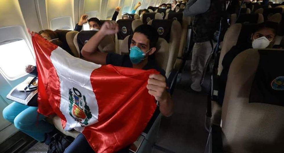 Más de 40 profesionales de la salud viajan a Loreto y Talara para enfrentar a la pandemia del COVID-19.