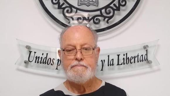 Julio César Vera Vera (75), sentenciado por abusar de sus dos nietas de 4 y 5 años.