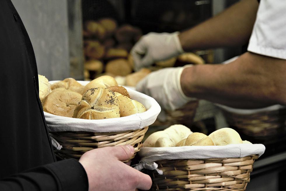 Cada noche, panadero regala el pan que no vende a los pobres. La historia de Fedele es viral en Facebook. (Pexels)