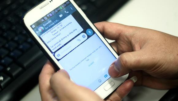 Varios pueden conversar en un solo chat, pero ¿sabías que en algunos países añadir un contacto a un grupo sin su consentimiento es un delito? (Getty Images)