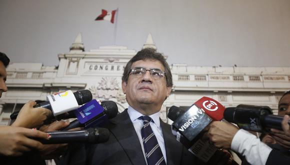 Juan Sheput se enfrenta a Héctor Becerril