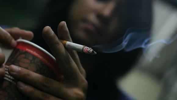PROTECCIÓN. Congresistas buscan reducir el consumo de tabaco. (Perú21)