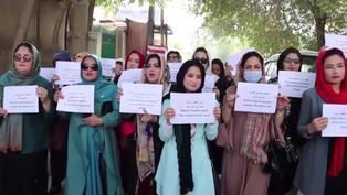 """Afganistán: Talibanes garantizan que las estudiantes volverán a la escuela """"Lo antes posible"""""""