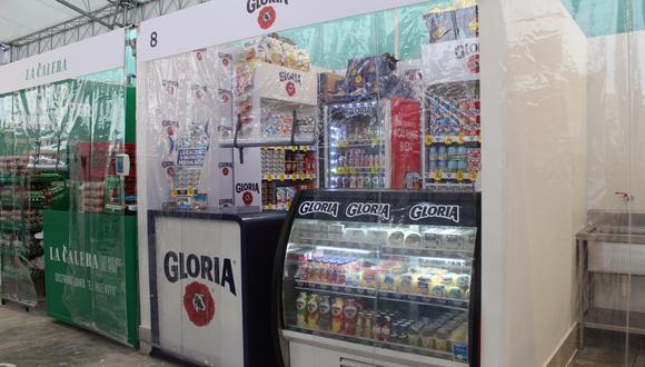 Gloria entregó mascarillas y productos de bioseguridad a emprendedores del centro de abastos.