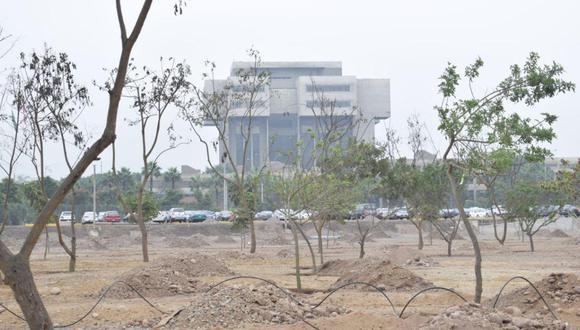 Siembran 550 árboles el nuevo bosque urbano ubicado en San Borja. (Ejército del Perú)