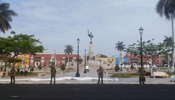 La histórica plaza de Armas de Trujillo, en cuyo centro se erige la estatua de la libertad. (GEC)
