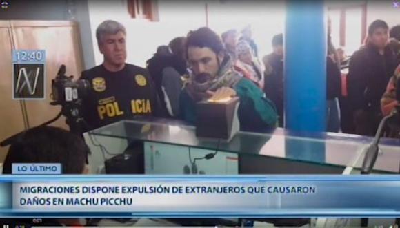 Migraciones dispuso la expulsión de los cinco ciudadanos extranjeros acusados de dañar el Patrimonio Cultural de la Nación en el parque arqueológico de Machu Picchu (Cusco). (Foto: Captura Canal N)