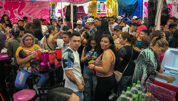 Descontrol en las fiestas que se realizan en el barrio de Tepito, en pleno corazón de la CDMX. (Foto: Twitter @El_Universal_Mx)