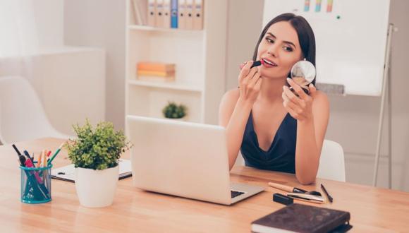 """La base de maquillaje sirve para corregir imperfecciones o """"manchitas"""". (Foto: Difusión)"""