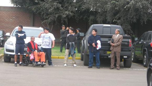 El señor ingresó a la Videna para recibir la donación. (Carlos Lara Porras)