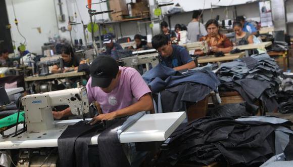 Textileros locales afectados. (USI)