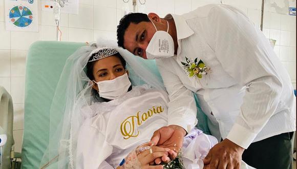 Estefany Torres Vera y Duvan Yefren Pabón se casaron en el Hospital Universitario de Santander con apoyo de la Policía Nacional. (Foto: Twitter / @HUSantander)