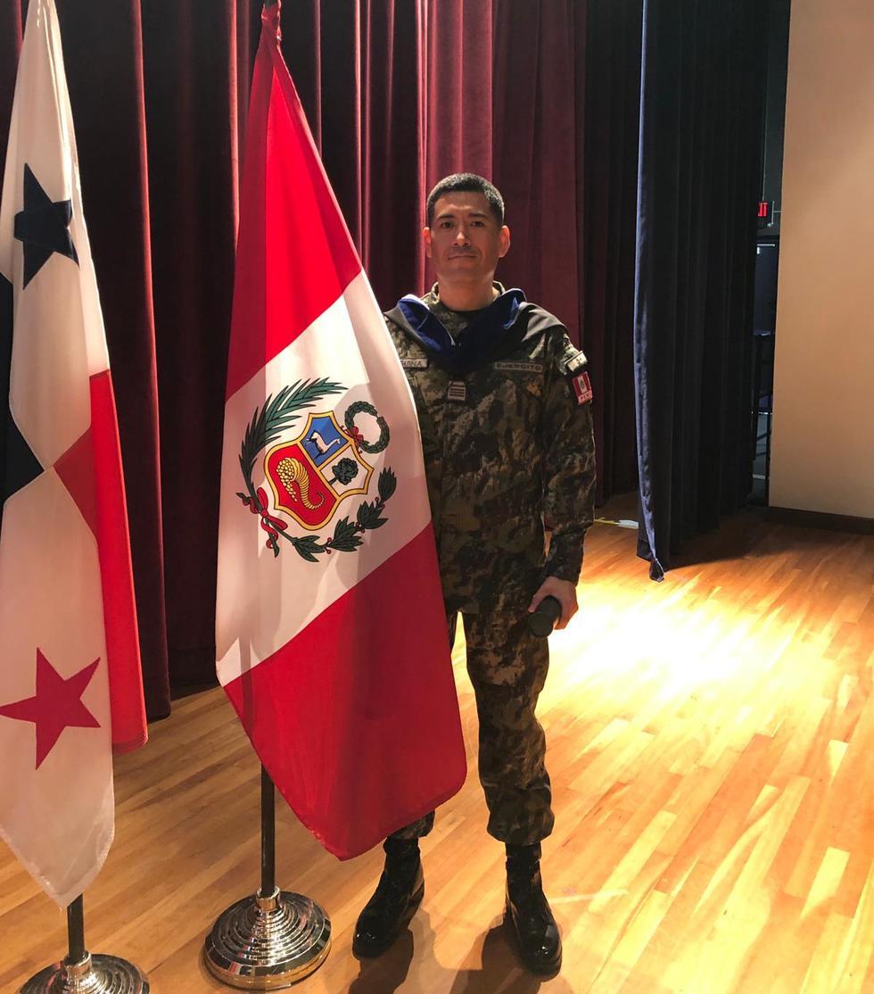 """Mayor EP José Maguiña fue premiado con la """"Medalla Al Mérito"""" por su desempeño."""