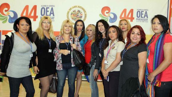 Activistas defensoras de los derechos de los homosexuales participaron en la reunión de la OEA en Paraguay. (EFE)