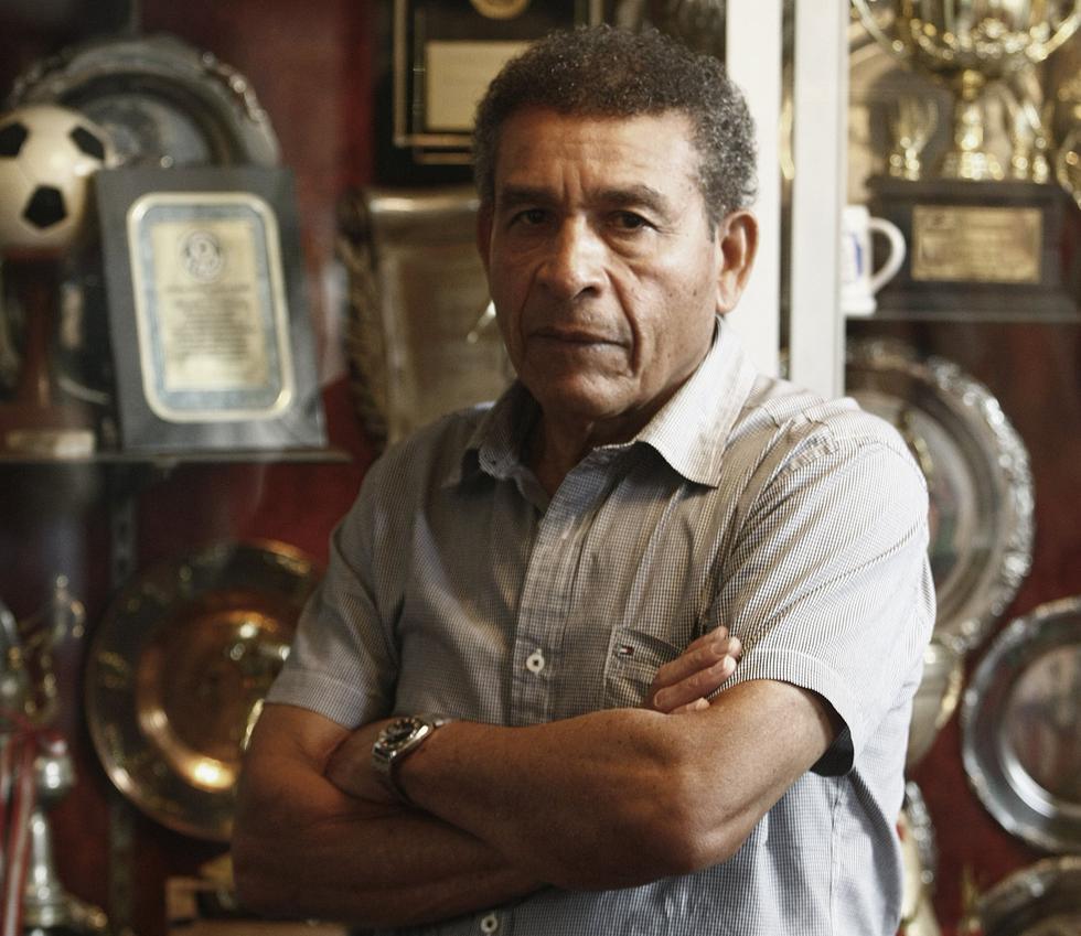 Efectivos de la PNP habrían agredido a Héctor Chumpitaz luego que el destacado ex futbolista nacional intentara ingresar al campo de juego del Monumental. (USI)
