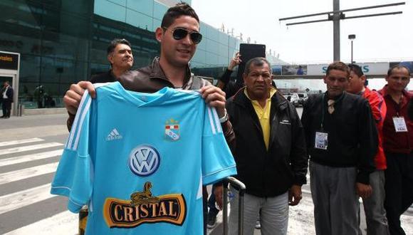 Leandro Leguizamón posó con la camiseta de Sporting Cristal. (Erick Nazario/Depor)
