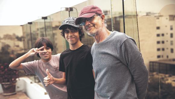 Luis 'Wicho' García, el cantante de Mar de Copas, y sus hijos. (Foto: José Rojas).