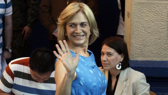 Evelyn Matthei reconoció triunfo de Michelle Bachelet en las urnas. (AP)