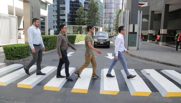 La cebra peatonal tridimensional está ubicada en el cruce de la avenida Belaunde con la calle Los Pinos. (Municipalidad de San Isidro)