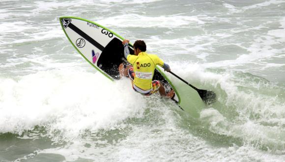 REY DE LAS OLAS. Tamil Martino brilló en el mar de Punta Rocas al ganar dos medallas de oro. (EFE)