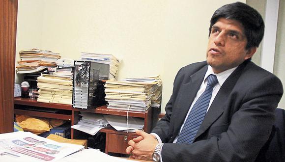 Fiscal Juan Carrasco está a cargo de las pesquisas. (USI)