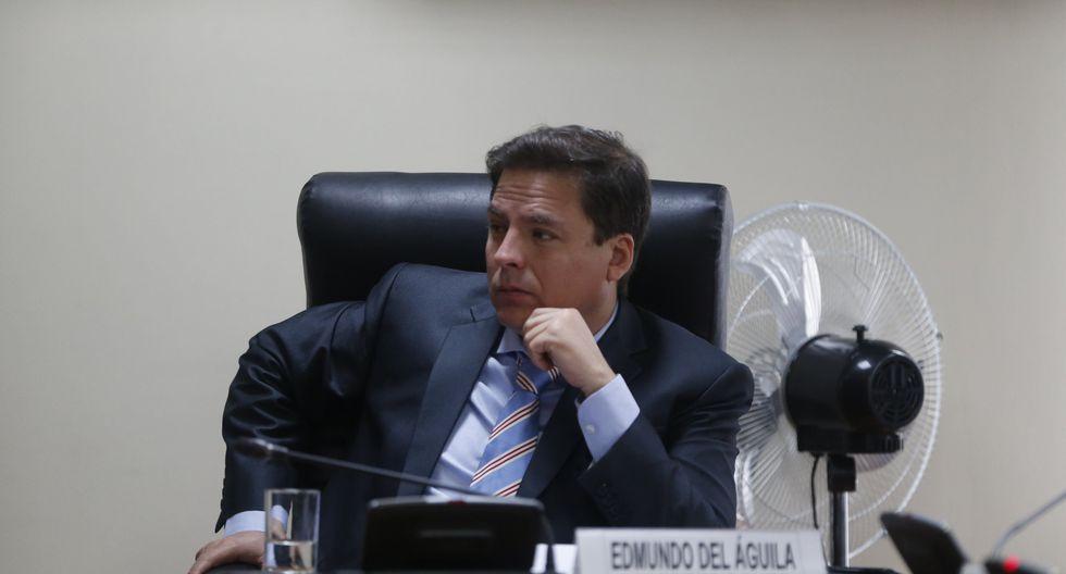 Edmundo del Águila (Mario Zapata)