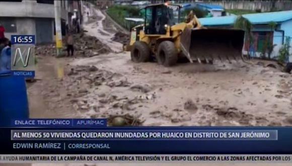 Los vecinos del mencionado distrito intentaron retirar con baldes y escobas el agua que quedó empozada en el interior de sus hogares. (Video: Canal N)