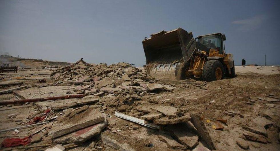 El Silencio: Desalojaron restaurantes de conocida playa en Punta Hermosa. (Renzo Salazar)