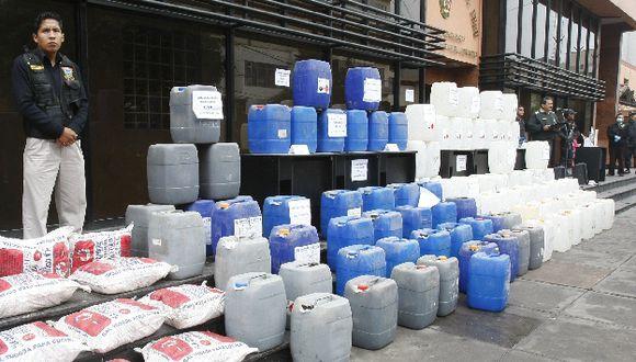 Policía Antidrogas decomisa más de seis toneladas de insumos químicos. (USI/Referencial)