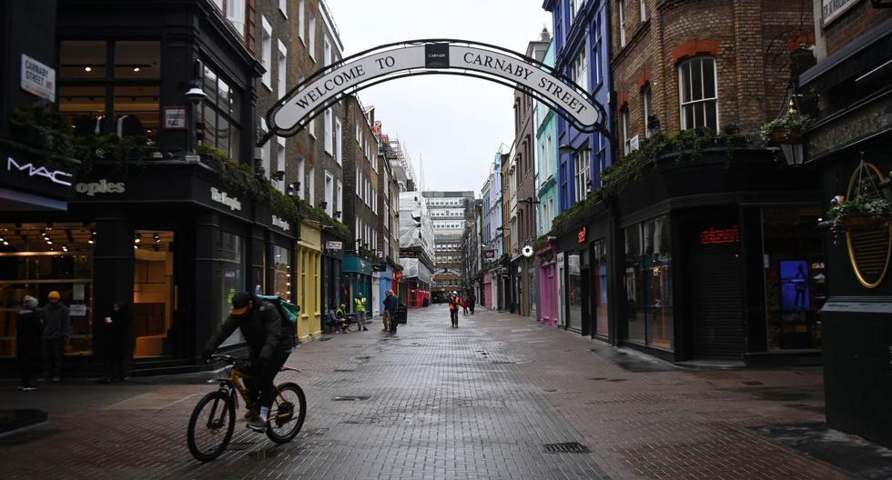 Referencial. La conocida calle Canarby luce desierta por el coronavirus en Londres, Reino Unido, el 16 de febrero de 2021. (EFE/EPA/ANDY RAIN).
