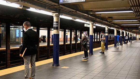 El gobernador de Nueva York, Andrew Cuomo, aseguró el sábado que teme la posibilidad de un nuevo incremento de casos de coronavirus en la región dado el elevado número que se está registrando en el resto de EE.UU. (Foto: Angela Weiss / AFP)