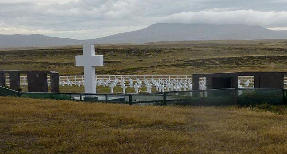 Cementerio en Las Malvinas para los caídos en la guerra de 1982 entre Argentina y Reino Unido. (AP)