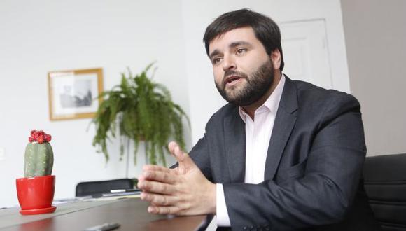 Alberto de Belaunde considera que el subgrupo es un saludo a la bandera. (Roberto Cáceres)