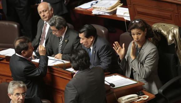 Los 'sobrevivientes' de Perú Posible ven ahora reducida su capacidad de blindaje a su líder Alejandro Toledo. (César Fajardo)