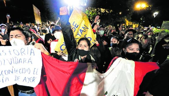 Sociedad organizada. Expertos indican que colectivos civiles y organismos autónomos son clave dentro de un Estado democrático. (Foto: Violeta Ayasta/GEC)