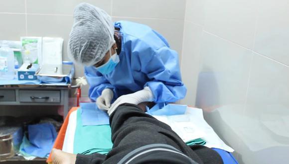 El Hospital Sabogal del Seguro Social ha retomado la atención de los pacientes con pie diabético en el servicio de hospitalización, así como también a través de las consultas externas en tópico. (Foto: EsSalud)