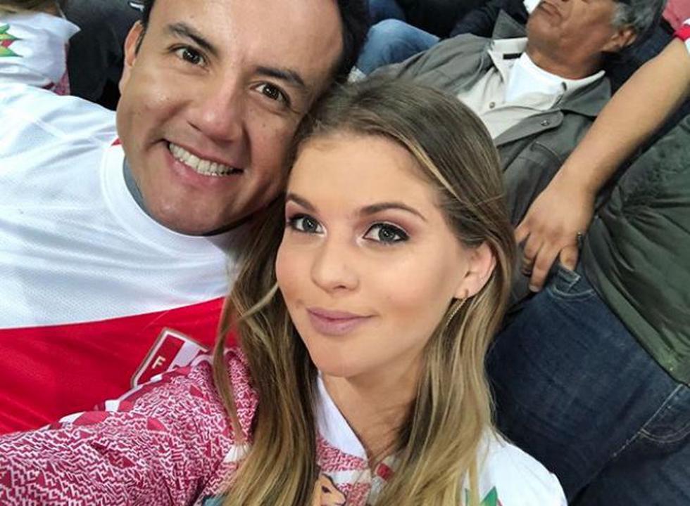'Tortólitos' en el estadio. Brunella Horna y su pareja, el legislador Richard Acuña, alentaron a la selección. (Instagram/@brunehorna)